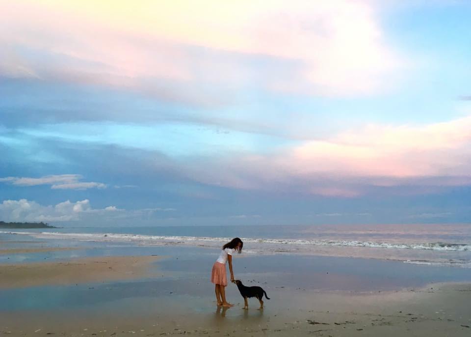 Sárga ruhás lány - Andamán és Nikobár szigetek - India