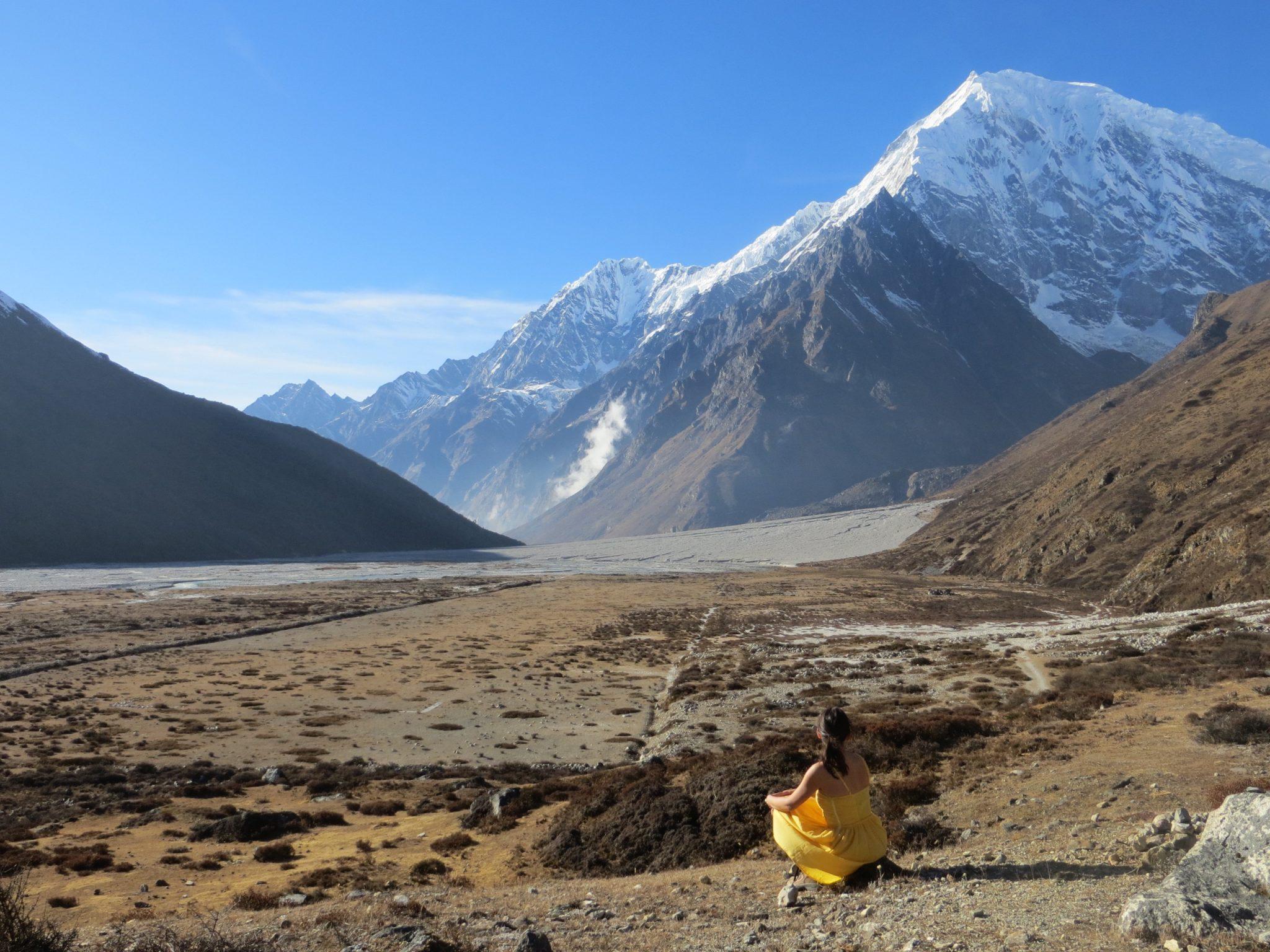 Sárga ruhás lány - Kianjin Gompa, Nepál